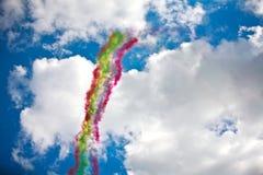 飞行表演在一个夏日 免版税库存照片