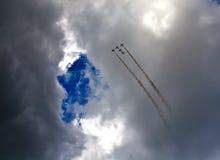 飞行表演在一个夏日 库存照片