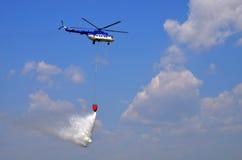 飞行表演-直升机 库存图片