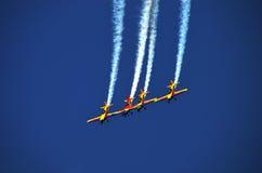 飞行表演-飞机4 免版税库存照片
