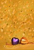 飞行金黄的心脏背景,拼贴画。 图库摄影