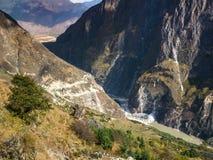 飞跃峡谷,云南的老虎在中国 免版税库存图片