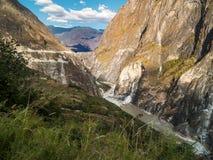 飞跃峡谷,云南的老虎在中国 免版税图库摄影