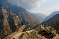 飞跃峡谷,云南,瓷的老虎 免版税图库摄影