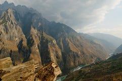 飞跃峡谷,云南,瓷的老虎 库存图片