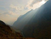 飞跃老虎云南的瓷峡谷 免版税库存照片