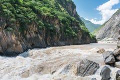 飞跃老虎的峡谷 免版税图库摄影