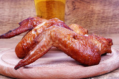 飞过快餐对啤酒 库存图片