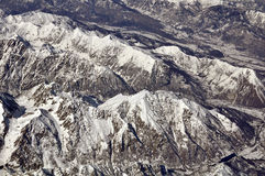飞过的阿尔卑斯 免版税库存照片