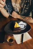 食人的香蕉乳酪蛋糕 库存照片