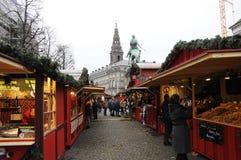 食品项目在圣诞节市场上 免版税图库摄影