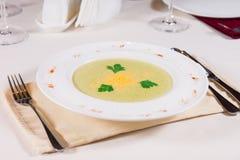 食家蔬菜汤板材  免版税库存图片