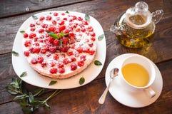 素食点心和清凉茶 免版税库存图片