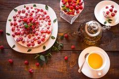 素食点心和清凉茶 库存图片