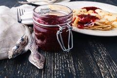 食物俄国传统 在Panca期间的开胃油煎的薄煎饼 图库摄影
