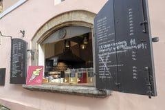 食物卖主在布拉格 免版税库存图片