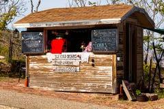 食物和饮料棚子 免版税库存照片