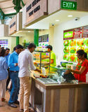 食物大厅在新加坡 免版税库存图片