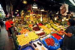食物市场在伊斯坦布尔 图库摄影