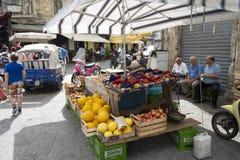 食物市场在巴勒莫,西西里岛 库存图片