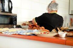 食物市场在Dalcahue 库存图片