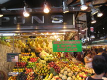 食物市场摊位-果子 库存照片