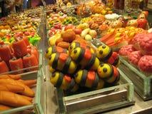 食物市场摊位-甜点和蛋糕 免版税库存图片