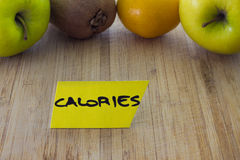 食物挑选概念,果子卡路里 免版税库存照片