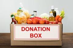 食物捐赠箱子 库存图片