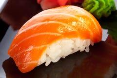 食物日本传统 设计有用要素菜单餐馆三文鱼的寿司非常 库存图片