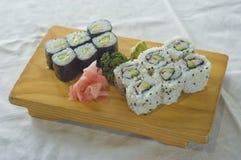 食物日本maki牌照 免版税库存照片