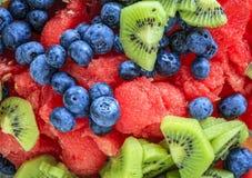 食物果子葡萄桔子瓷沙拉素食主义者 库存图片