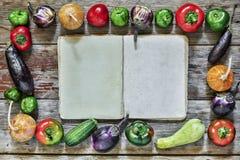 食物框架  秋天季节性产品 库存照片