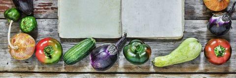 食物框架  秋天季节性产品 免版税库存图片
