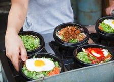 食物热罐街道 库存照片