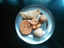 食物盛肉盘 免版税库存照片