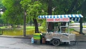 食物移动桃红色供营商 库存照片