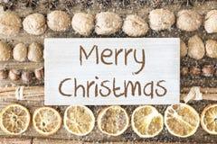 食物舱内甲板位置,文本圣诞快乐,雪花 图库摄影