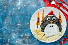 食物艺术想法企鹅意粉 库存照片