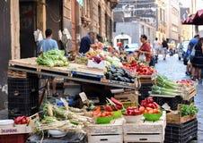 食物街市Vucciria的照片在西西里岛,意大利- 10 09 2017年 免版税库存照片