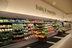食物部门在超级市场 免版税库存图片