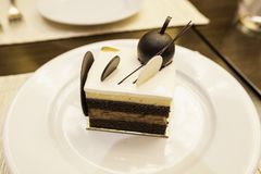 食物,从上面被镀的蛋糕,看法,巧克力分层了堆积黑森林蛋糕 库存照片