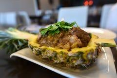 食物,在菠萝的猪里脊肉 免版税库存图片
