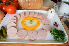 食物, Lyoner,香肠,德国香肠Lyoner,波隆纳香肠,德国Fleischwurst,德国香肠Lyonerring,香肠圆环, 免版税库存图片