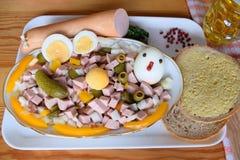 食物, Lyoner,香肠,德国香肠Lyoner, Lyoner沙拉,德国Fleischwurst,德国香肠Lyonerring,香肠圆环, 库存图片