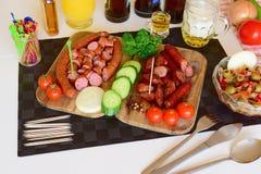 食物, Pinoy食物,菲律宾食物,菲律宾Pulutan, Pulutan,蒜味咸腊肠 库存照片