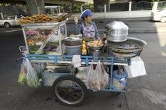 食物移动桃红色供营商 库存图片