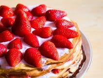 食物 薄煎饼草莓蛋糕 库存照片