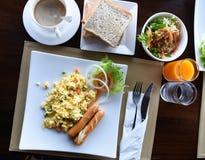 食用愉快的系列早餐 库存照片