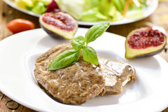 素食者法式蓝带酒店管理学院和沙拉 免版税库存照片